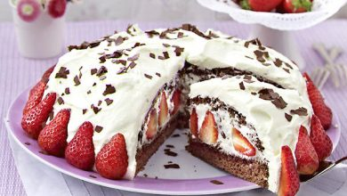 Photo of Stracciatella-Torte mit Erdbeeren
